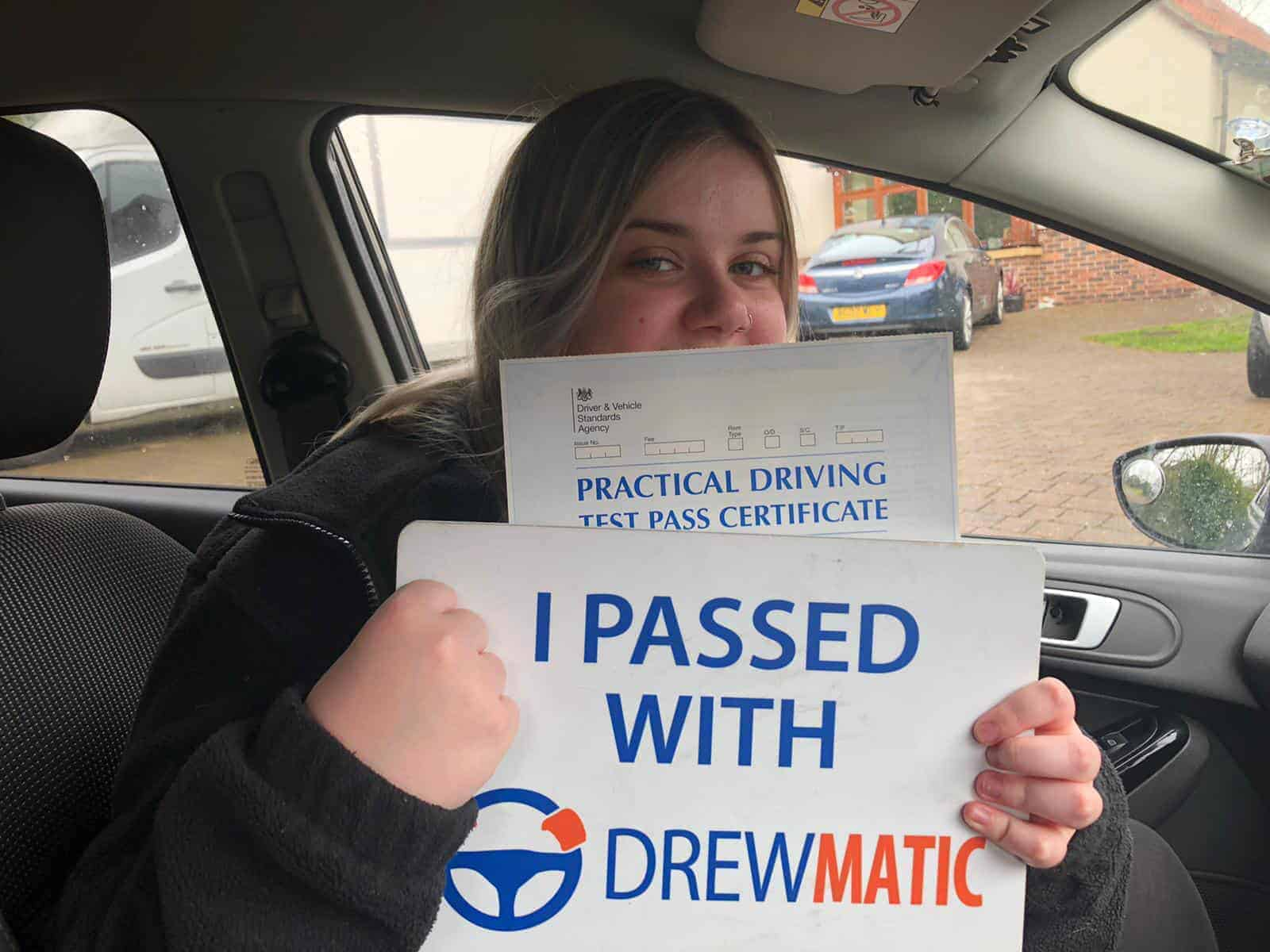 Female Automatic Driving Instructor In Sunderland